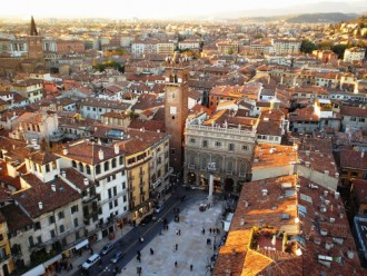 rent a car in verona airport and visit the city