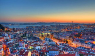 renting a car in lisbon airport