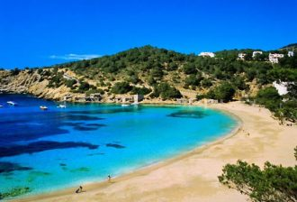 Rent a car in Ibiza Airport how to and why you have to rent a vehicle